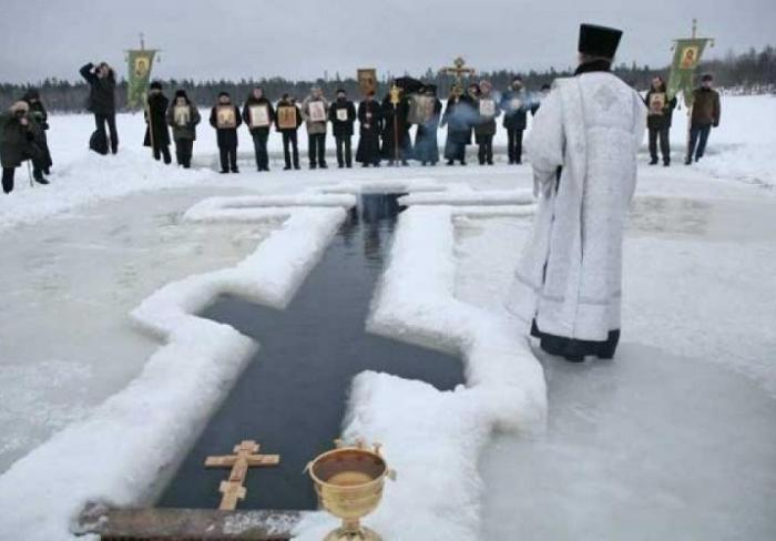 19 января во всех православных и греко-католических храмах области будут святить воду