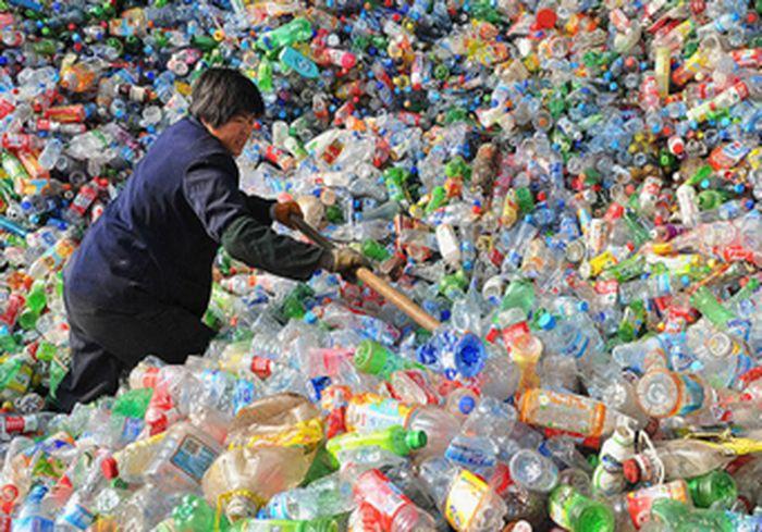 Предложена технология превращения пластиковых отходов в... нефть