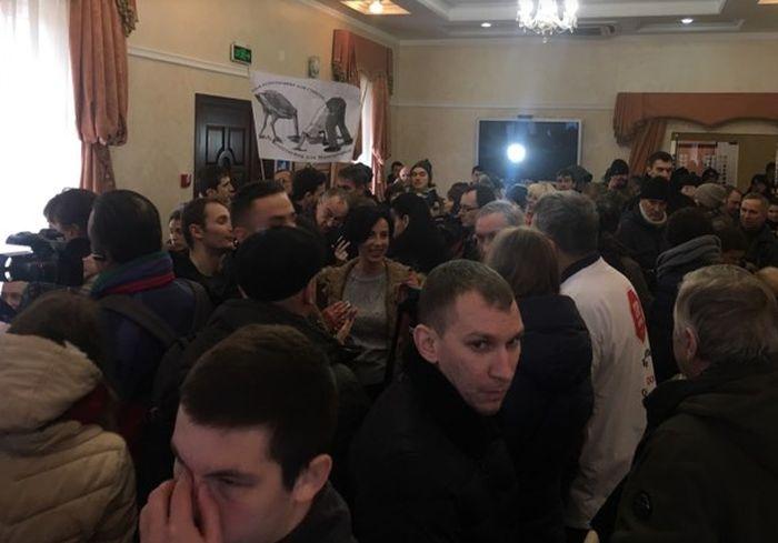 В Харькове со скандала начались общественные слушания по ртутному полигону (видео)