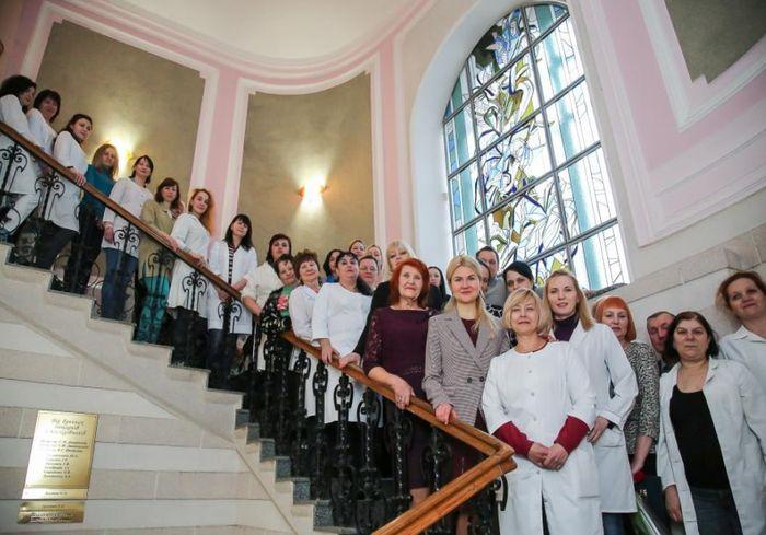 Глава ХОГА встретилась с коллективом Харьковского медико-генетического центра