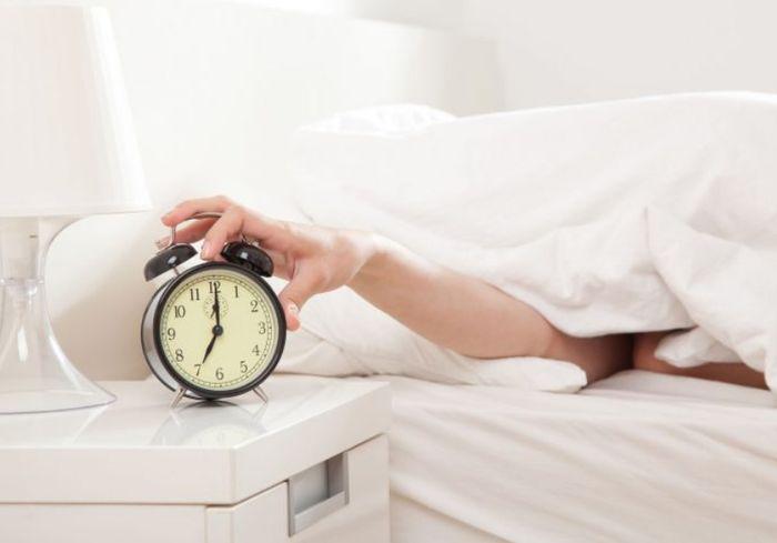 Медики назвали 3 самые вредные утренние привычки