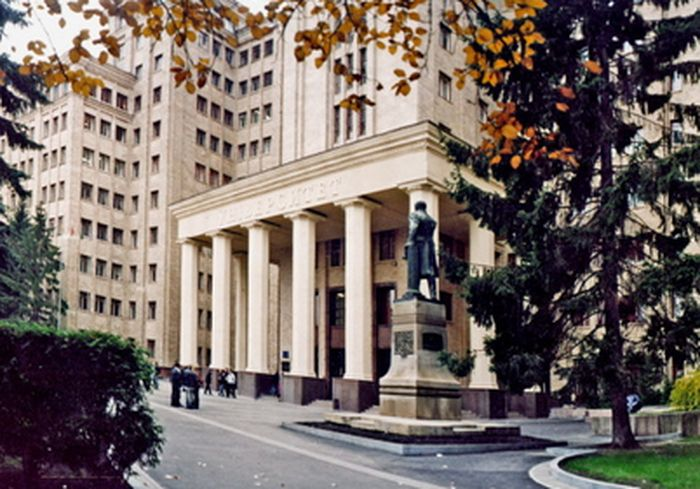 В старейшем вузе Харькова пройдет День открытых дверей (программа)