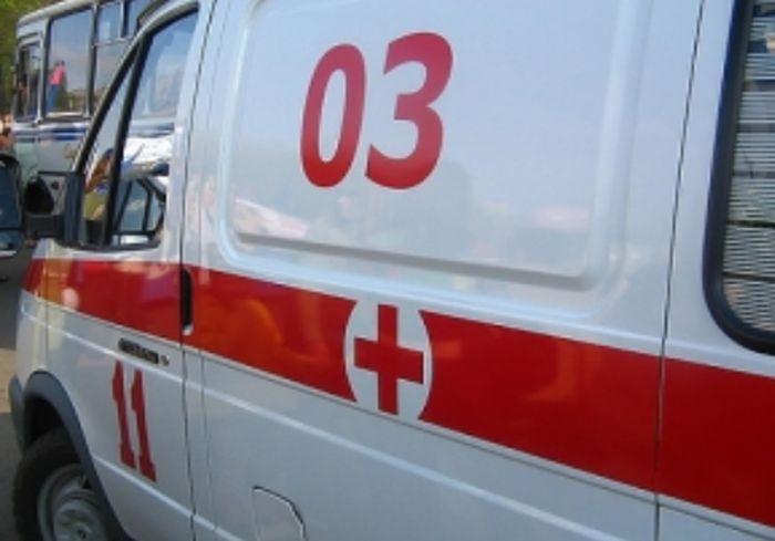 ДТП в Харькове -- патрульный Prius врезался в дерево