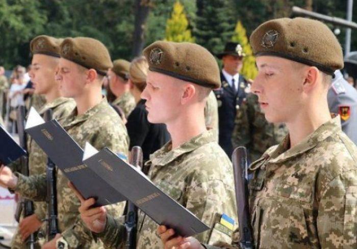 В Украине официально продлили весенний призыв