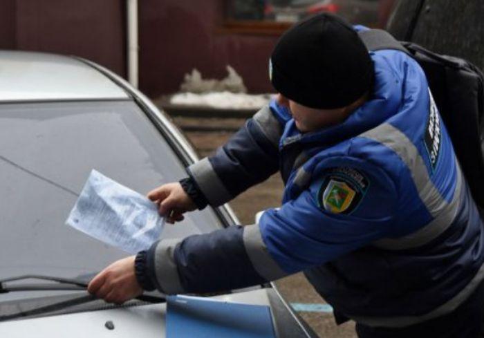 Стал известен месячный «улов» инспекции по паркованию в Харькове