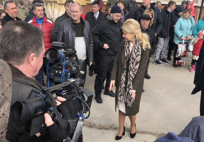 Губернатор Харьковщины встретилась с жителями Песочина: фоторепортаж