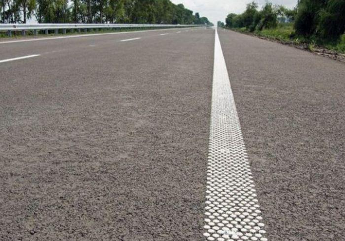 На украинских дорогах появятся шумовые полосы