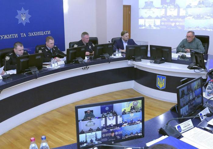 Полиция перешла на усиленный режим службы