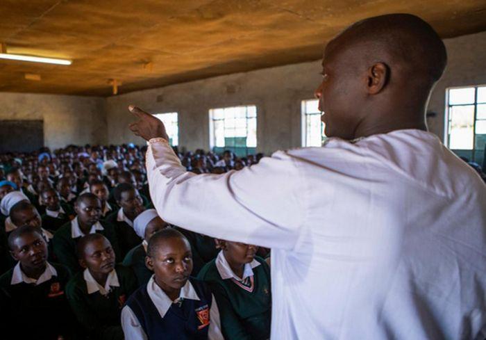 Сельский учитель из Кении получил премию в 1 млн долларов