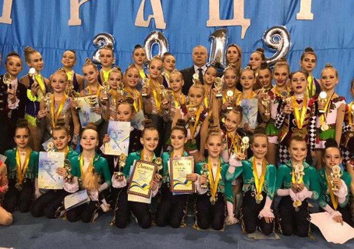 «Юные грации» из Харькова стали чемпионками по эстетической гимнастике