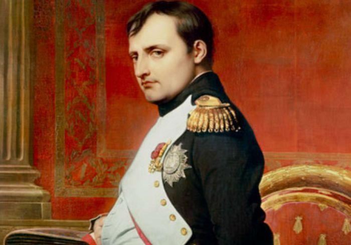 На аукционе в Фонтенбло продали трон Наполеона (фото)