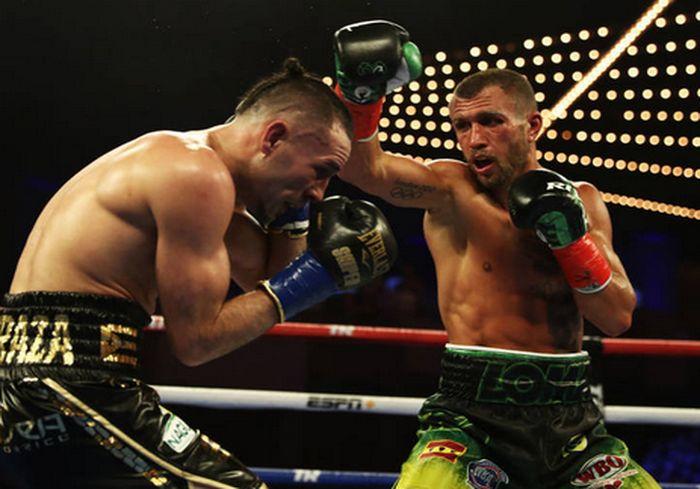 WBO вручила украинскому боксеру пояс суперчемпиона (фото)