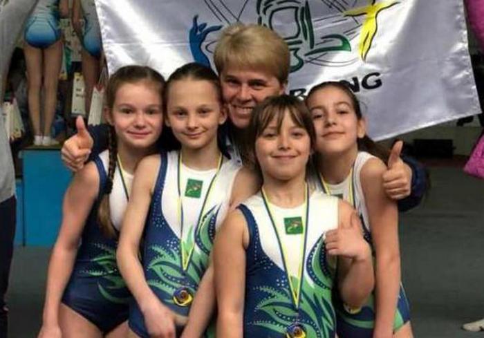 Юные акробаты завоевали медали чемпионата Украины
