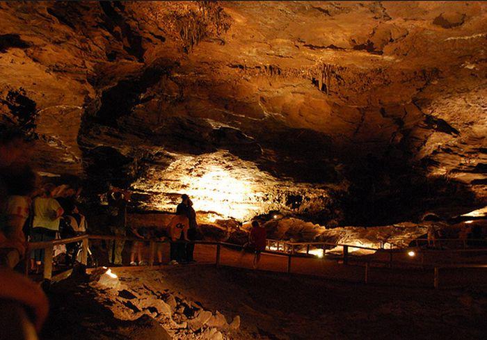 Ученым в США удалось перевести пещерные надписи индейцев чероки (фото)