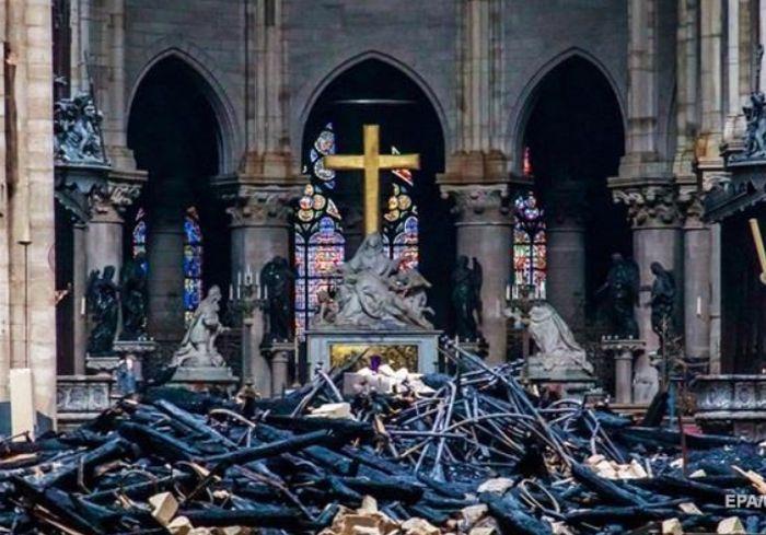 Правительство Франции приняло важное решение по поводу сгоревшего Нотр-Дам-де-Пари