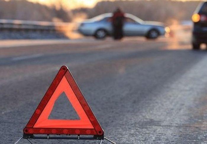 На Окружной под Харьковом перевернулся грузовик: фото-факт