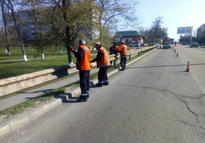Харьковские дорожники ремонтируют окружную