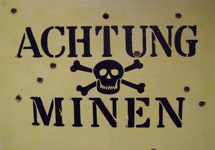 Военэксперт предложил отгородиться от агрессивной России ядерными минами