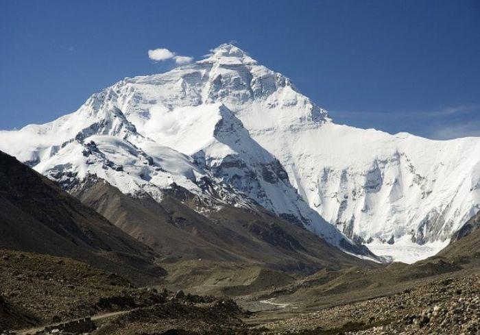 Непалец стал абсолютным рекордсменом по покорению Эвереста (фото)