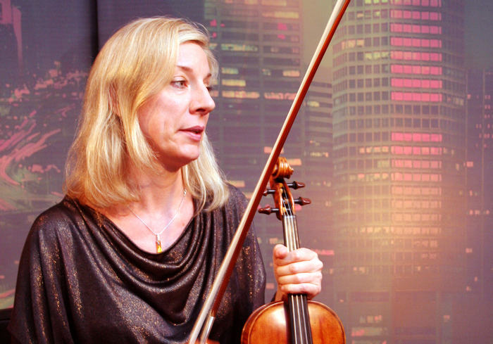Американка по звуку отличит свою скрипку от любой другой: видео-факт