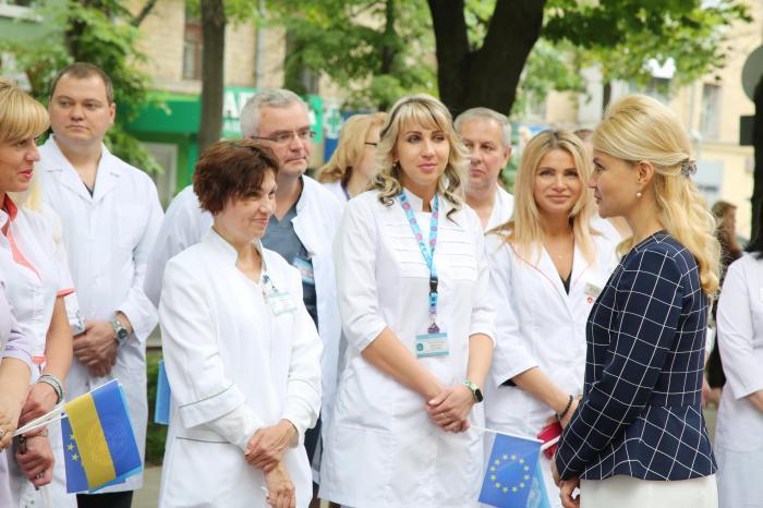 «Хоть доллар покажи»: сколько получил каждый житель Харьковской области