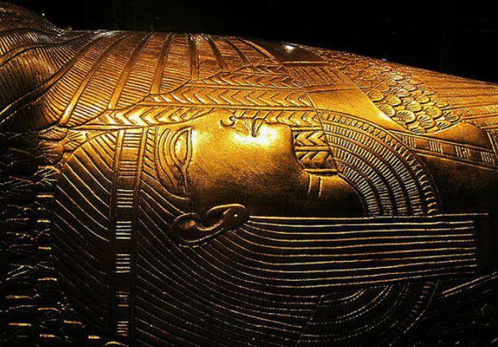 Египет намерен забрать у Британии бюст Тутанхамона (фото)