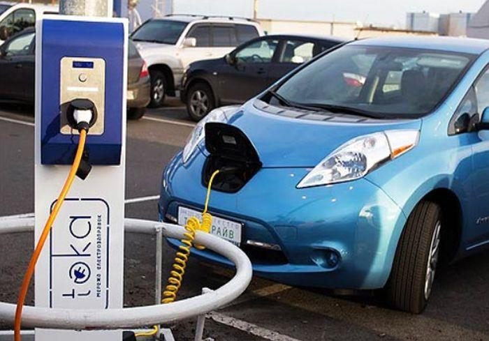 Владельцев электромобилей в Украине порадовали хорошей новостью