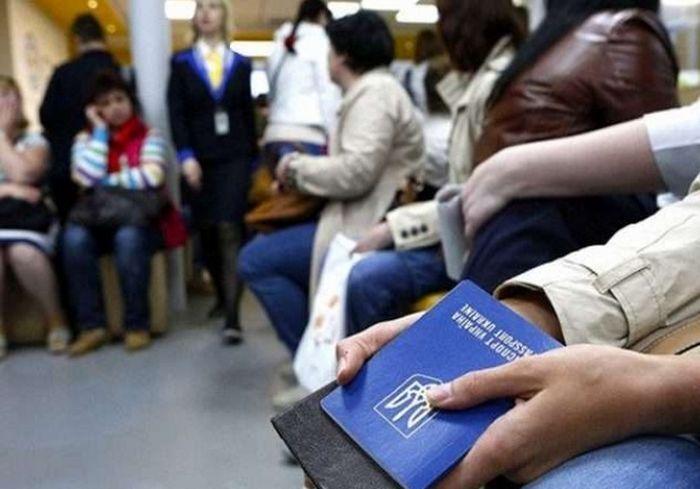 Экономист рассказал, когда заробитчане вернутся из-за рубежа в Украину