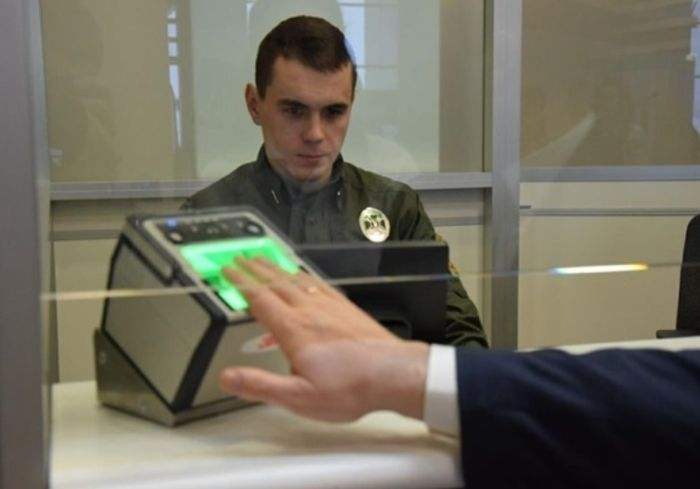 В Украину зачастили «туристы» с фальшивыми документами