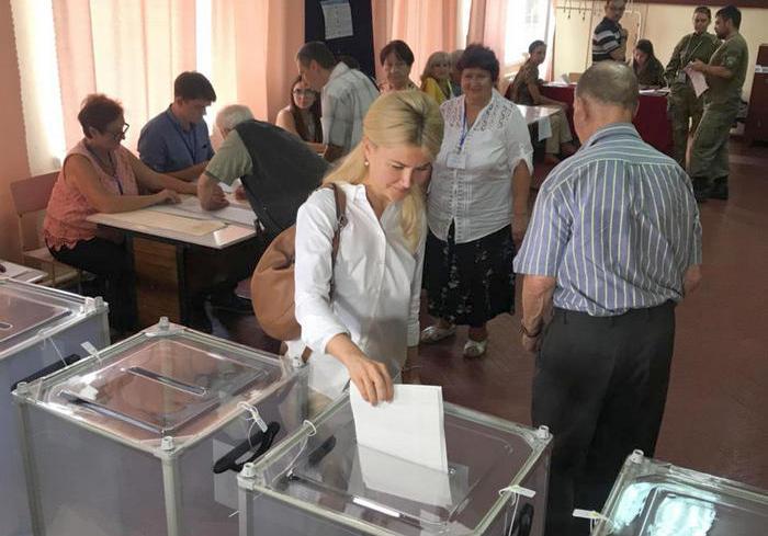 Губернатор Харьковщины проголосовала за профессионализм
