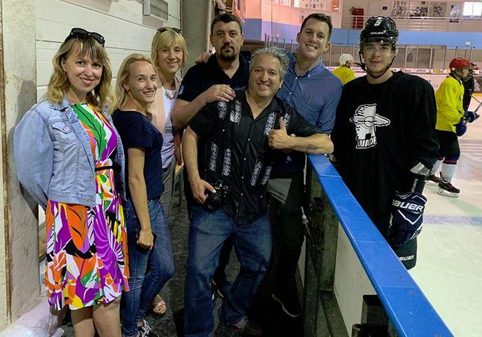 Журналисты из США побывали на тренировке у харьковских хоккеистов: фото-факт
