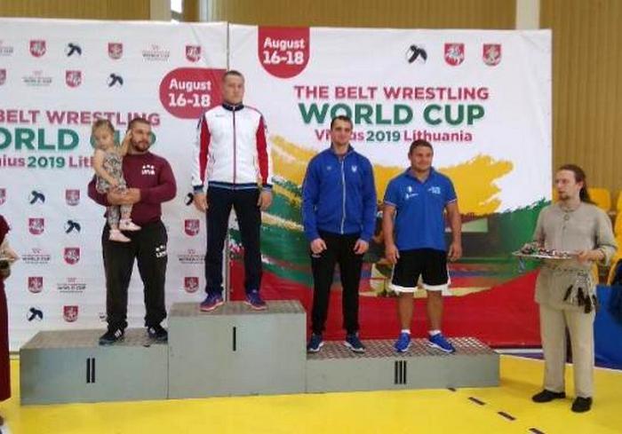 Харьковчанин стал призером Кубка мира по борьбе на поясах