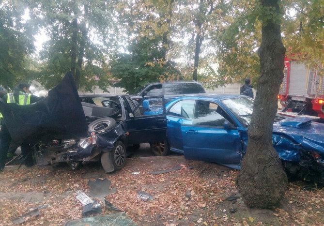 ДТП в Харькове: водителя пришлось вырезать