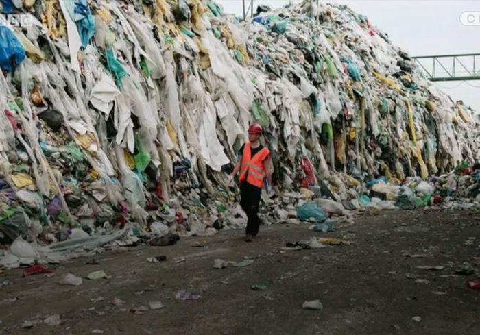 В Швеции придумали эффективный способ переработки старой одежды