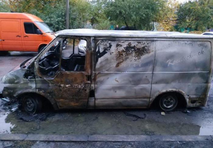 Пожар в Харькове: сгорел очередной автомобиль