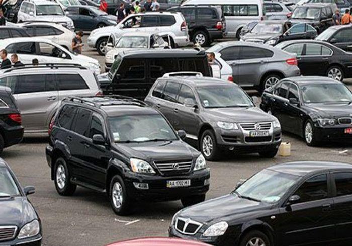 Украинские дороги заполонили подержанные иномарки