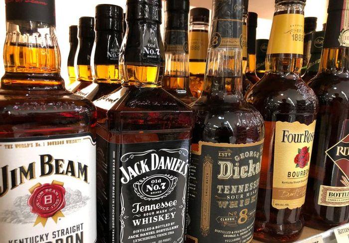 «Достаточно раскусить». Теперь виски будут продавать... в капсулах (видео)