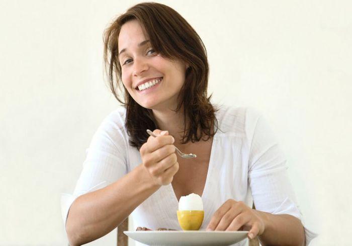 Диетологи назвали продукты, которые можно есть на ночь и при этом худеть
