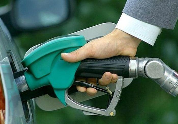 В Украине могут разрешить официально... разбавлять бензин