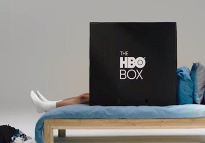 В США презентовали картонный ящик для просмотра кино (видео)