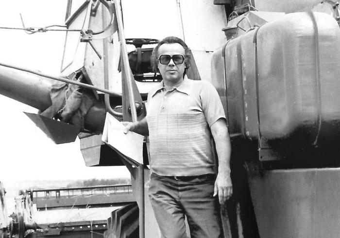 Известный харьковский писатель и журналист начинал сельским учителем