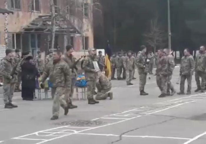«Ему было 23 года»: в Харькове попрощались с погибшим на Донбассе героем (видео)