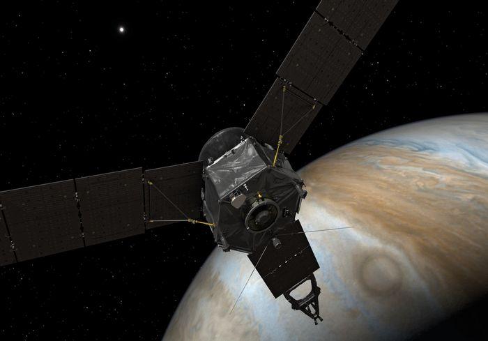 Межпланетная станция передала на Землю впечатляющий снимок урагана на Юпитере (фото)