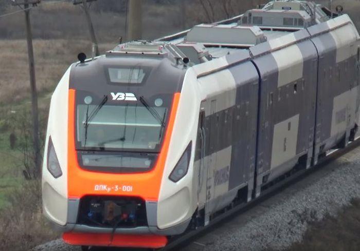 В Сети показали испытания нового украинского поезда (видео)