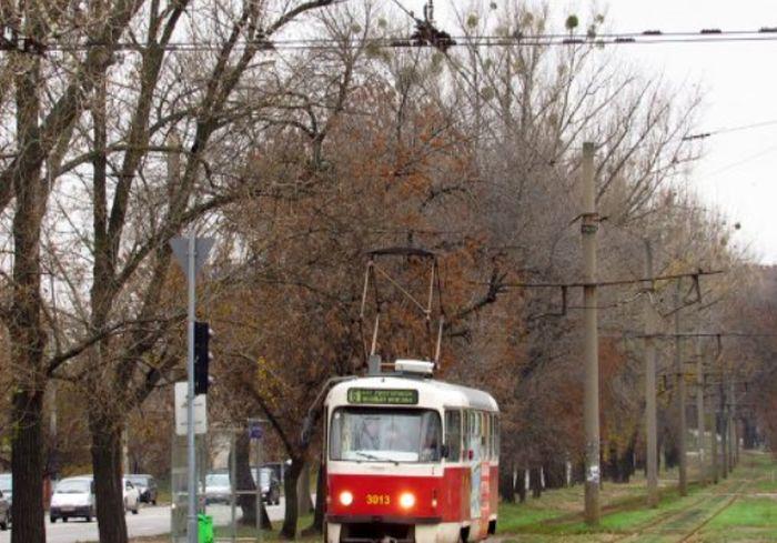 В центре Харькова надолго запретили движение трамваев – подробности