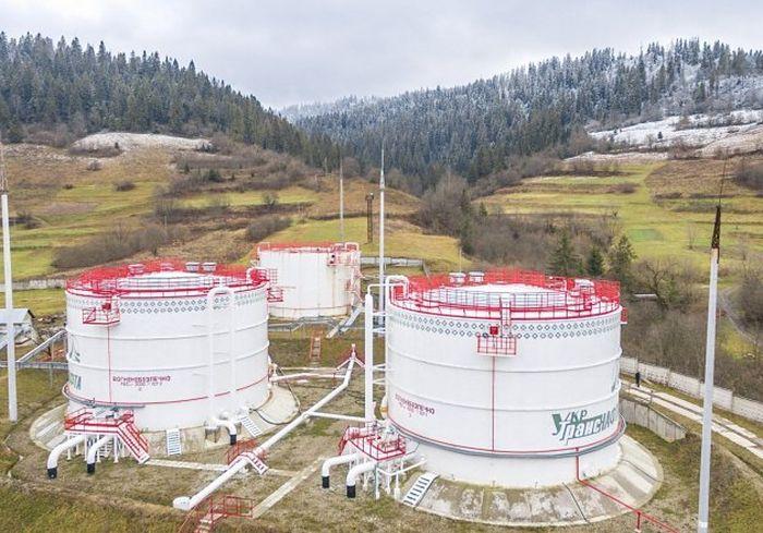 Контракт на транзит российской нефти через Украину продлили на 10 лет