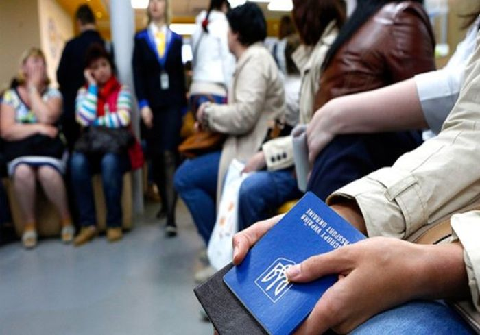 Зеленский заявил о старте программы для возвращения украинцев на родину (видео)