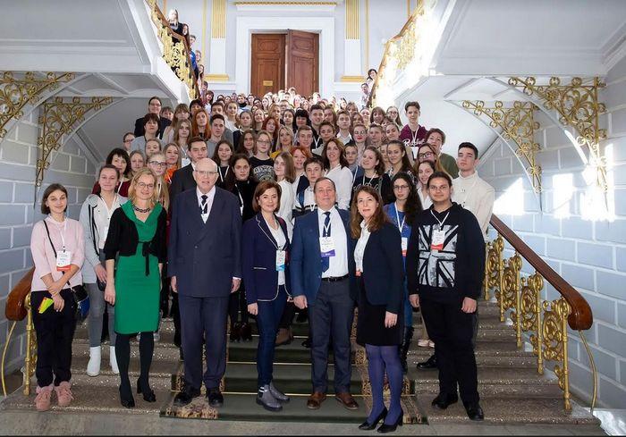 Харьковские школьники участвуют в межрегиональных дебатах