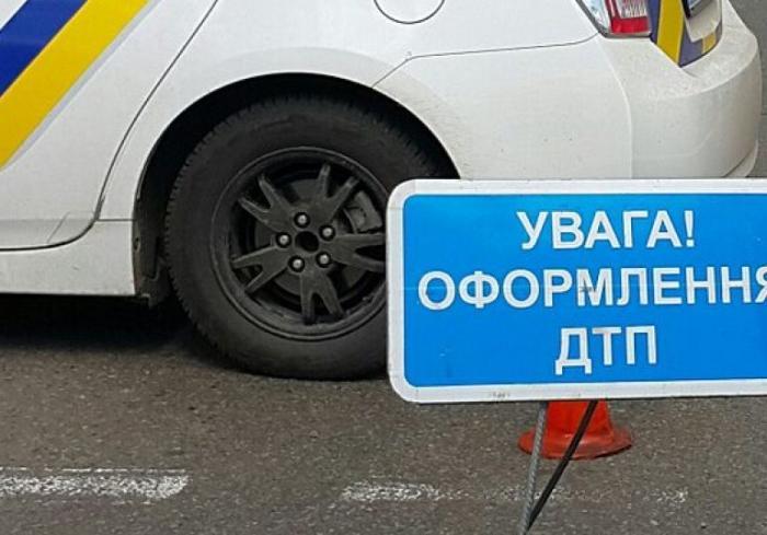 ДТП в Харькове: столкнулись сразу пять автомобилей