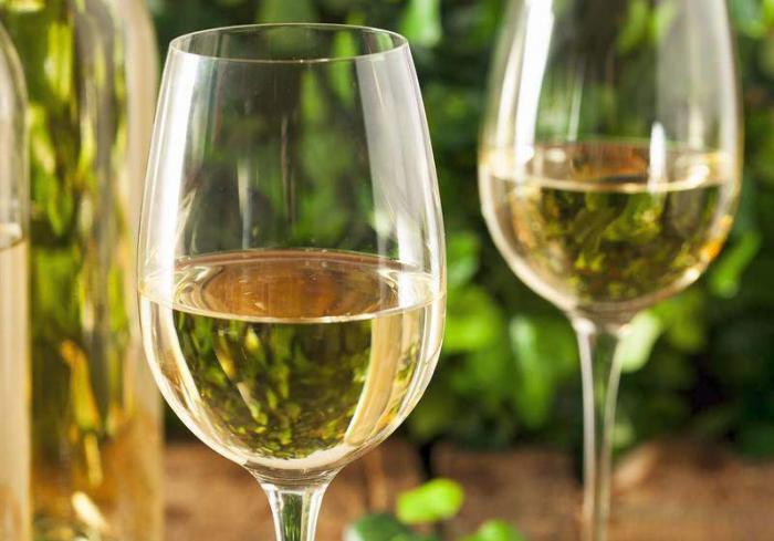 Последние предостережения перед новогодним застольем: какой алкогольный напиток самый безвредный